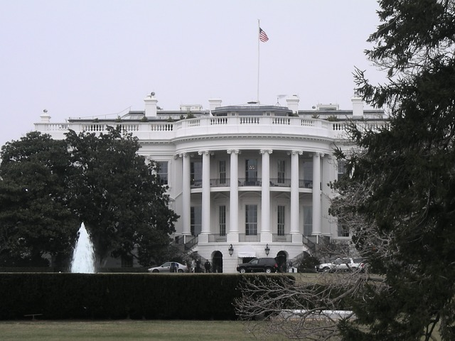 the-white-house-269734_640.jpg